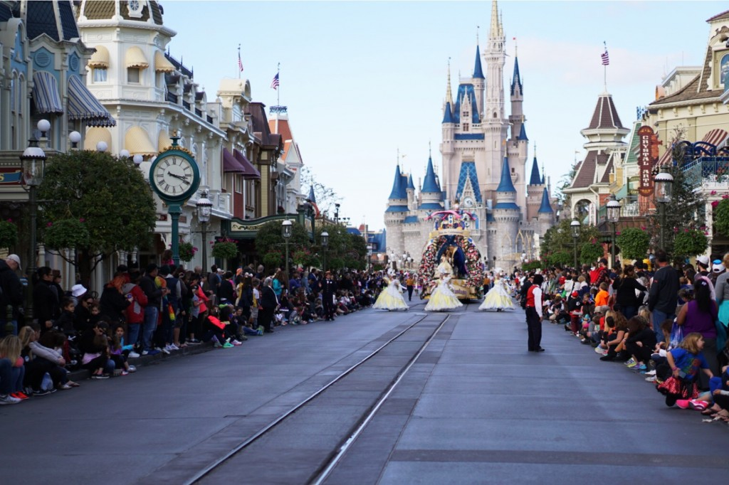 DISNEY VACATION JANUARY 2016 || Gracefulmommy.com