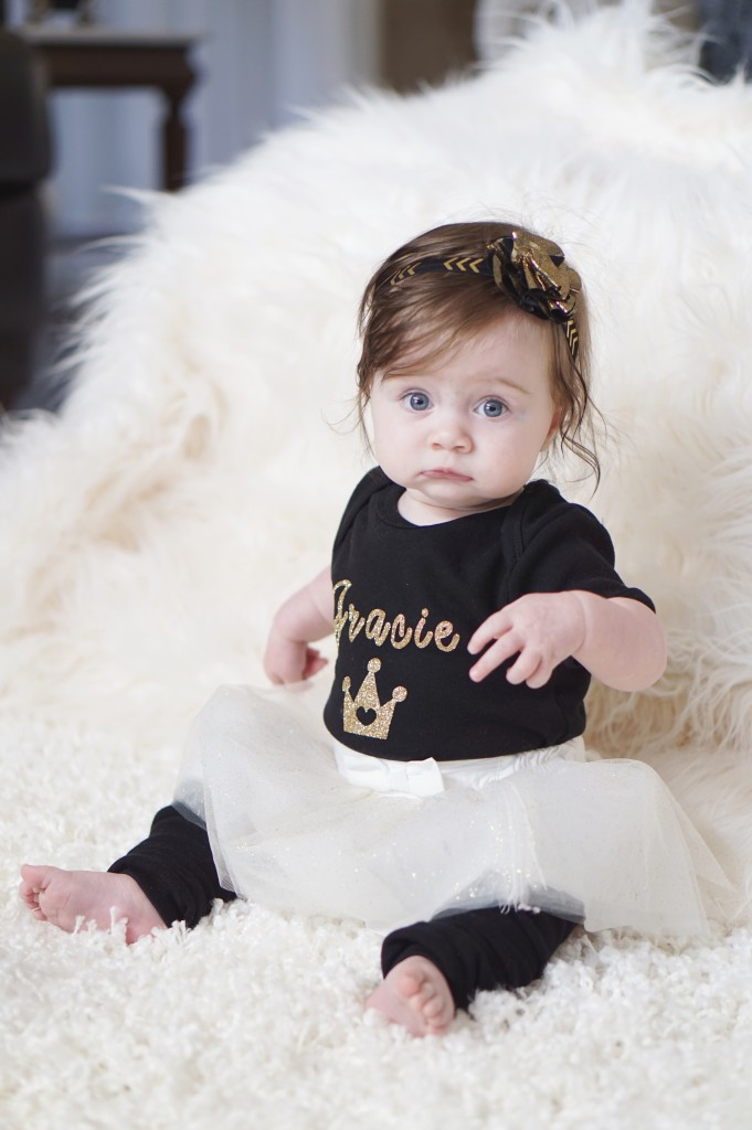 Personalized Crown onsie from K+L Baby Boutique // Gracefulmommy.com