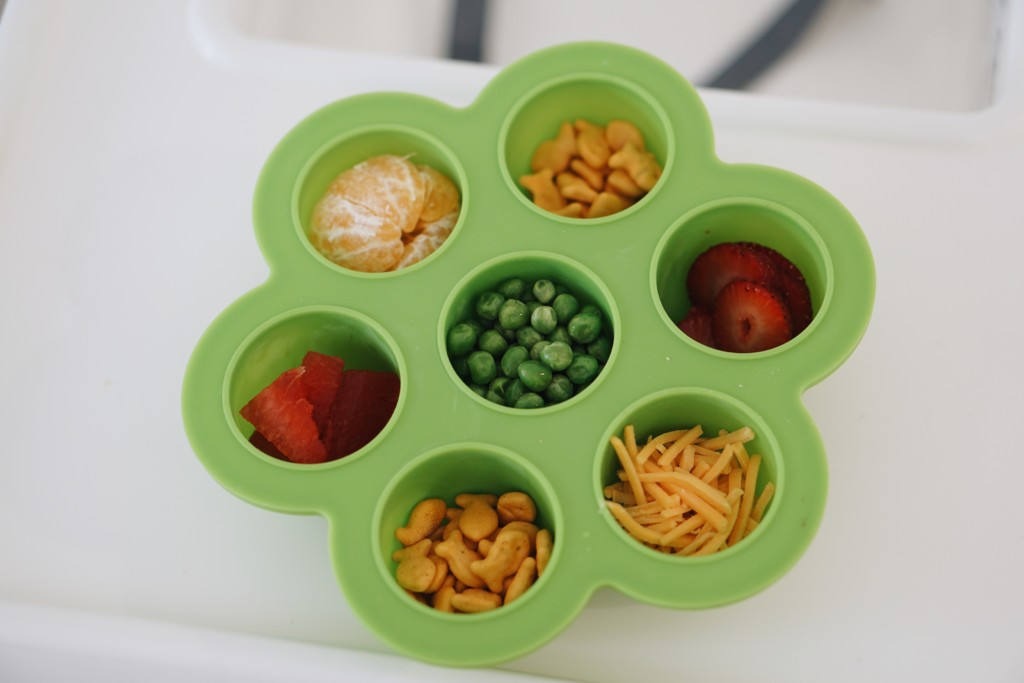 Toddler Meal Time Essentials- Great list of products that help with meal time.