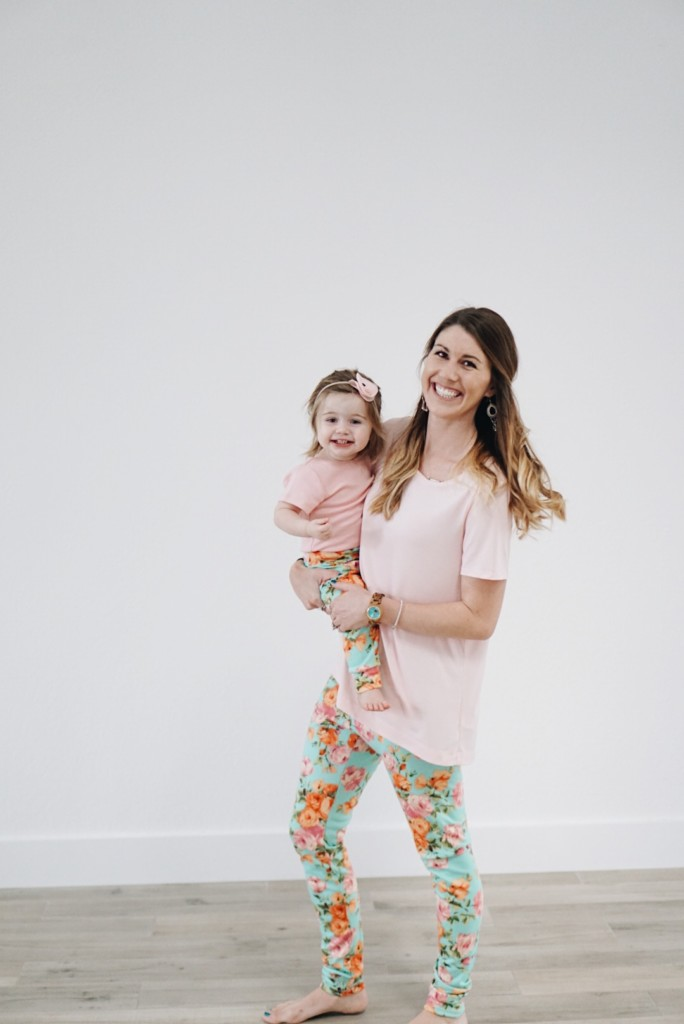 Mommy & Me leggings from Babeeluhandmade! How adorable are these?! Pinning for later