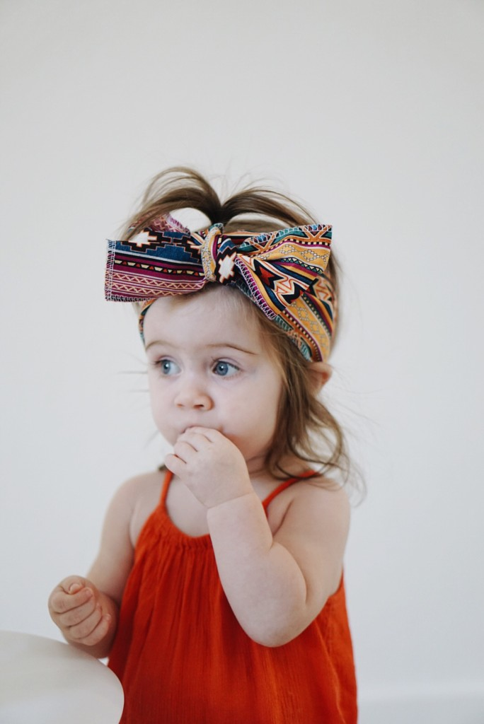 An awesome tutorial and video on how to tie those giant headwraps! This is SO cute. She teaches you three ways to tie the headwraps. Great read. Pin for later!