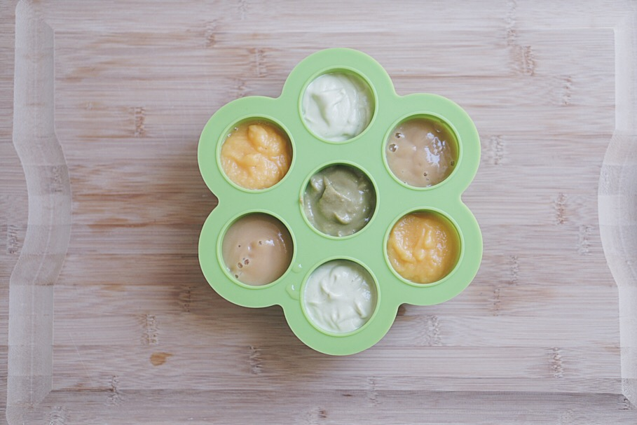SiliZoo Baby Food Tray Review. Read more at Gracefulmommy.com