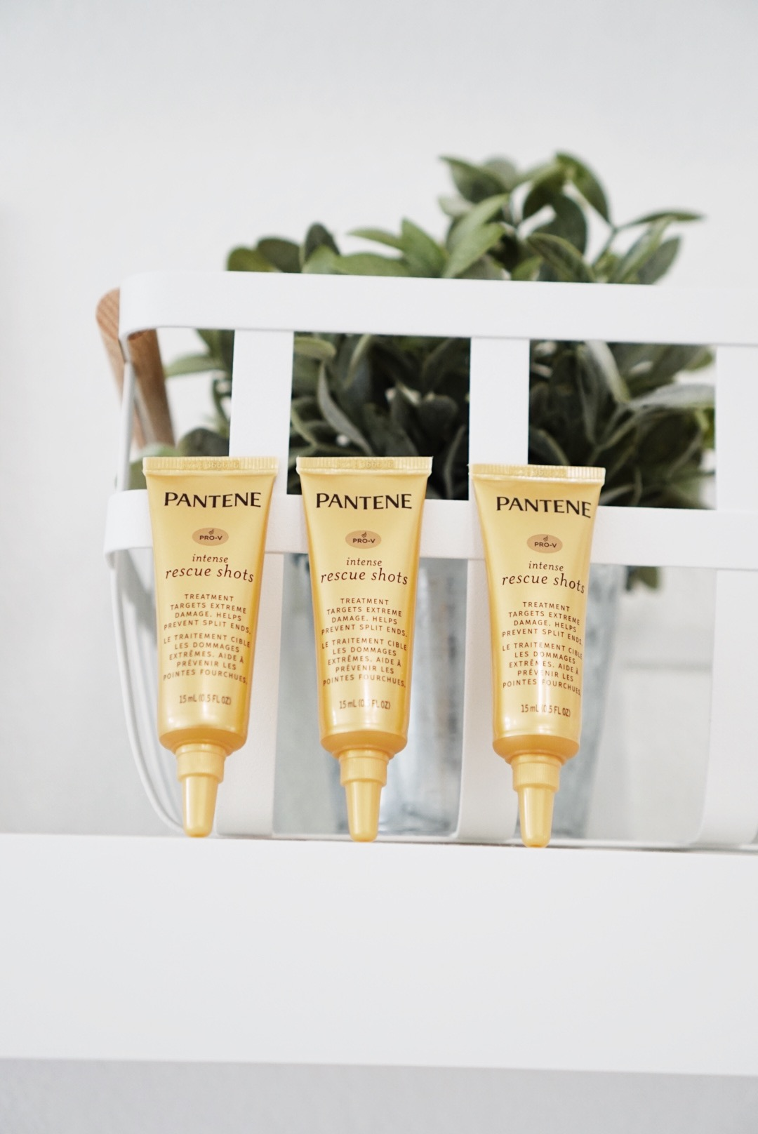 Pantene's Rescue Shots // The quickest way to repaired hair! www.gracefulmommy.com