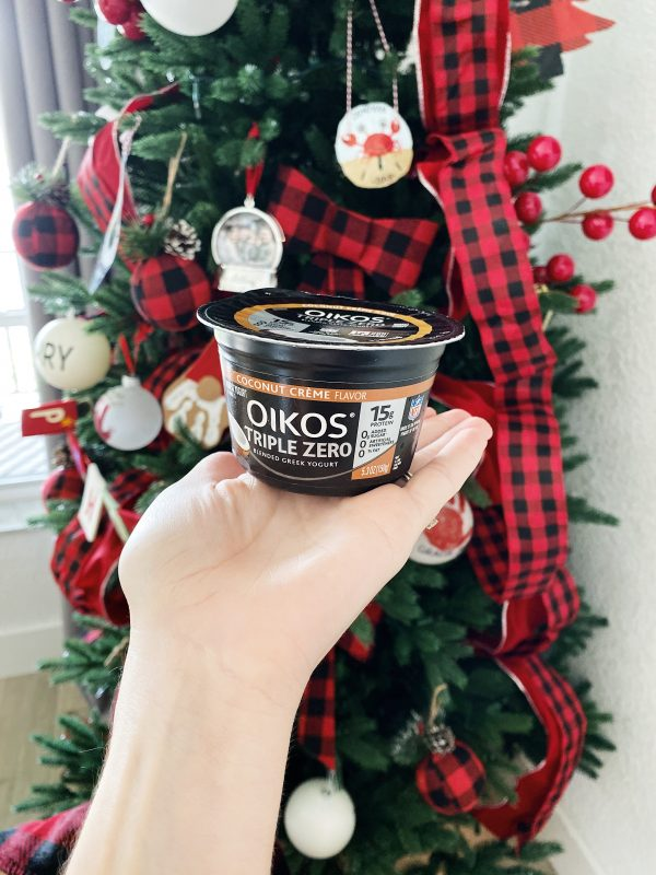 Gingerbread yogurt with Dannon Oikos